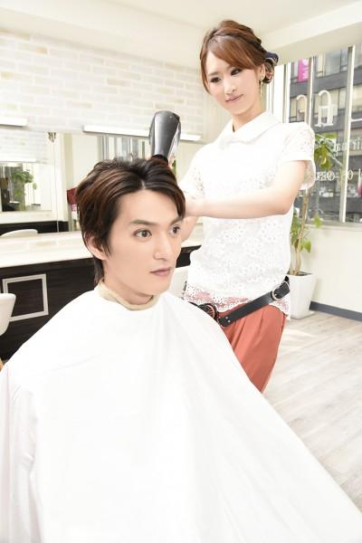 ドライする美容師6