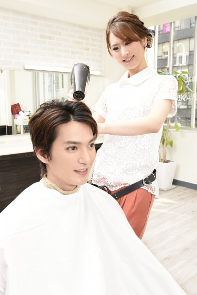 ドライする美容師7
